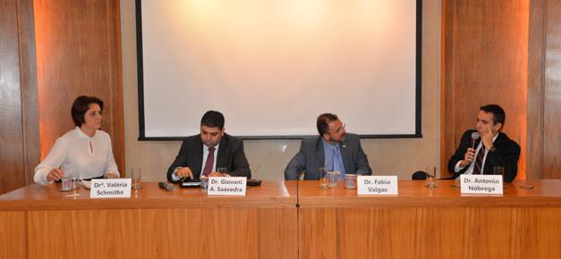 Cidadania Corporativa – <p>Especialistas debatem consequências da Lei Anticorrupção em evento promovido pela CNseg