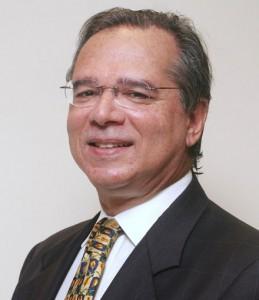 Artigos –<p>Na medida certa – Por Paulo Guedes