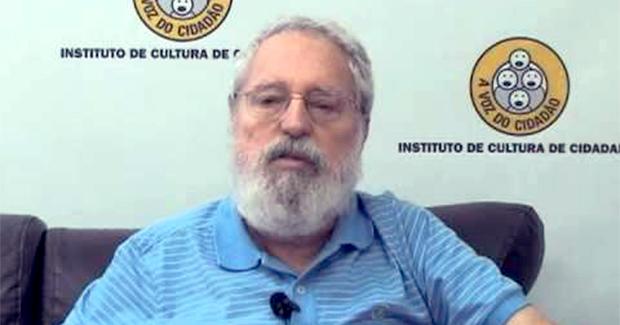 Artigos – <p>Comunista sim, ma non troppo – Por Mario Guerreiro