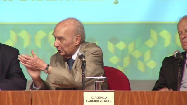 <p>Alta cultura – já nas redes sociais o excelente seminário sobre a cultura política brasileira da Academia!<p>