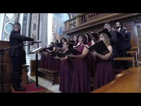 """<p>Música – Madrigal da UFRN no Vaticano executando a """"Ave Maria"""", de Mário Tavares<p>"""